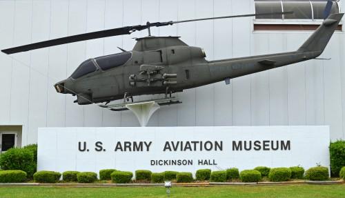 AH-1S_68-17109.jpg