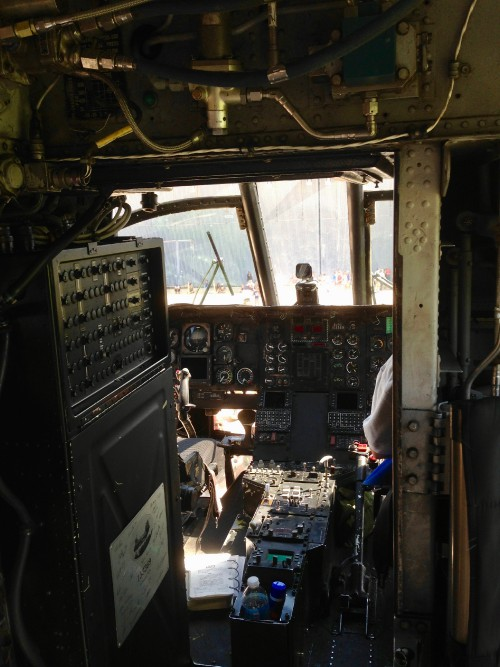 CH-46Ecockpit.jpg