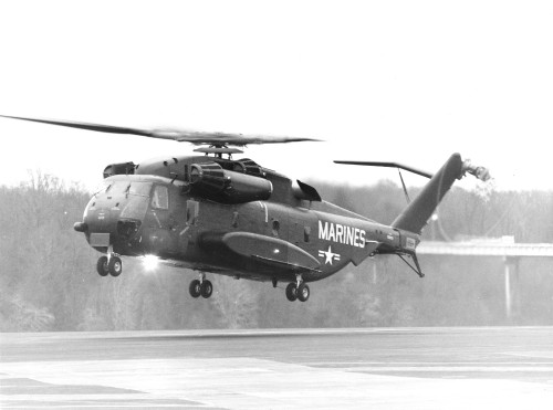 1stProductionModel-SikorskyCH-53E-OnInitialFlight12-8-75.jpg