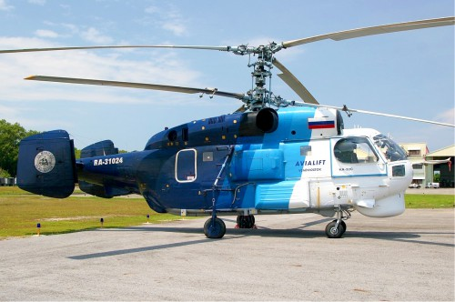 Avialift Vladivostok Kamov Ka-32S. Photo by M Radzi Desa, 7 September 2006. Source: https://commons.wikimedia.org/wiki/File%3AAvialift_Vladivostok_Kamov_Ka-32_MRD.jpg