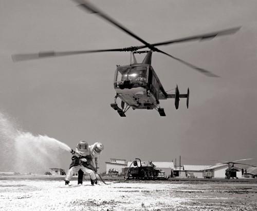 HH-43B_Huskie_at_Cam_Ranh_Bay.jpg