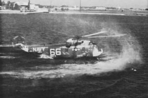 SH-3A_HS-1_water_landing_NAN_8-64