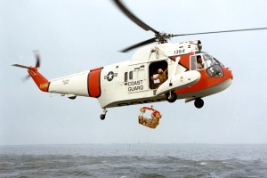 HH-52A_Seaguard_with_rescue_basket