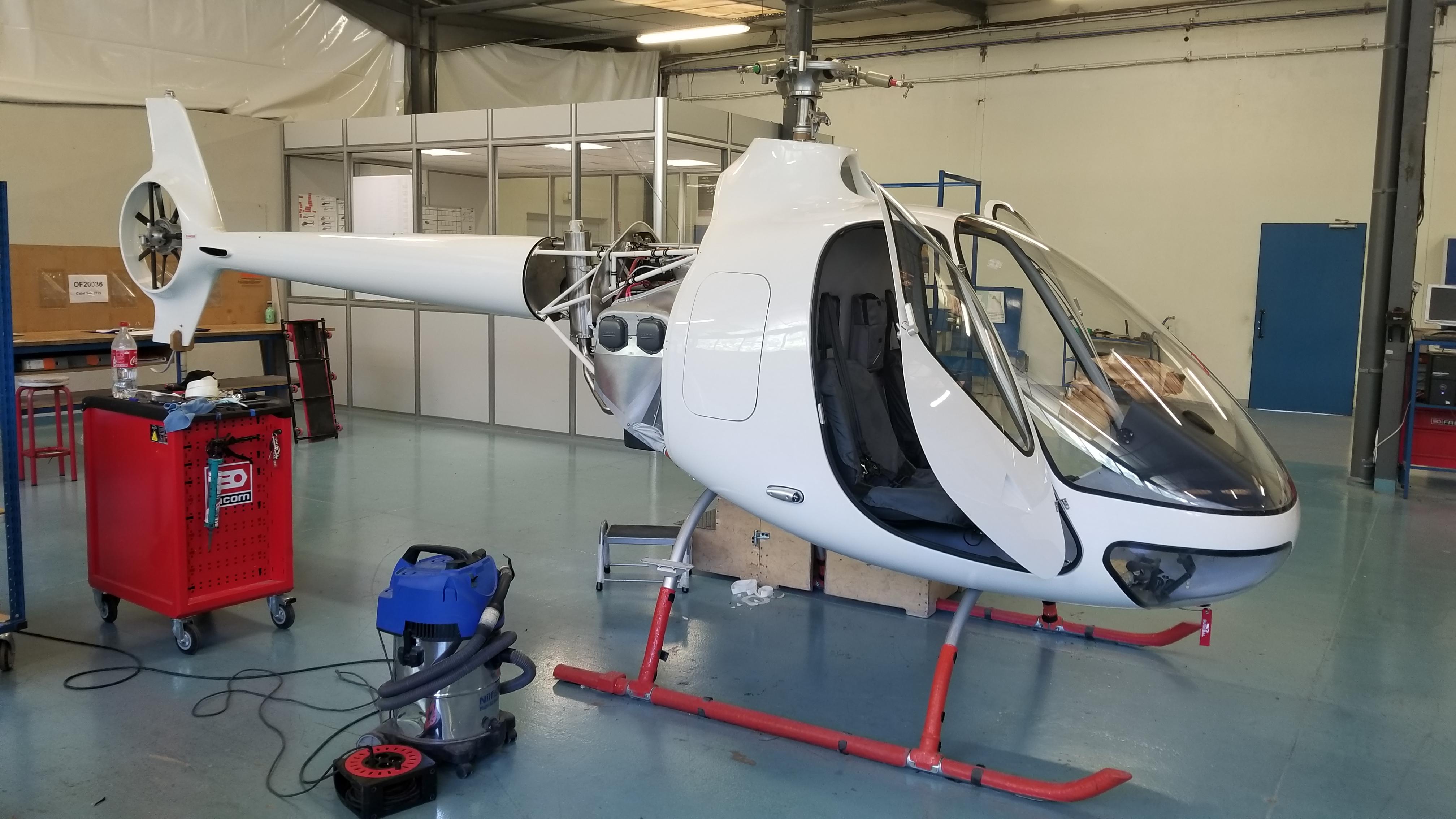 Construction Aix En Provence guimbal cabri g2 engine installation - vertical flight photo