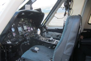 Cockpit-of-S-76A-scheduled-service.th.jpg