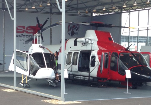 Bell 505 and 525. Photo by Ian Frain.