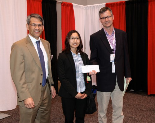 Presentation-of-MAV-prize-to-U.-Maryland.jpg
