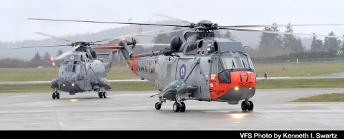 Sikorsky-CH-124_RCAF-12417-and-12404-taxi_YYJ-Victoria_20181201_DSC_9401_VFS-Photo-by-Kenneth-I-Swartz-2.jpg