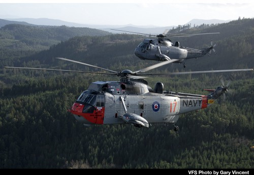 Sikorsky-CH-124_RCAF-4017-and-12410_Vancouver-Island_Nov-27-2018_VFS-Photo-by-Gary-Vincent_8.jpg