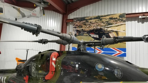 "Rotor hub of the world record-holder for fastest helicopter, the ""G-LYNX"" Westland Lynx Series 1 with BERP rotor blades. VFS photo taken at the Helicopter Museum, Weston-super-Mare, UK, Nov. 15, 2018. (CC-BY-SA 4.0)"