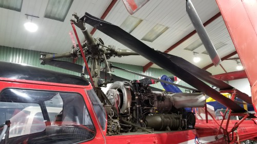 Westland Scout AH1 (XX910) engine, exhaust and rotor head. VFS photo taken at the Helicopter Museum, Weston-super-Mare, UK, Nov. 15, 2018. (CC-BY-SA 4.0)