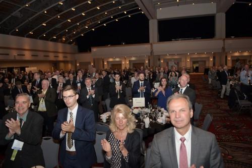 Standing-ovation-_VFS75-Awards-Banquet_20190515_DSC_3122.jpg