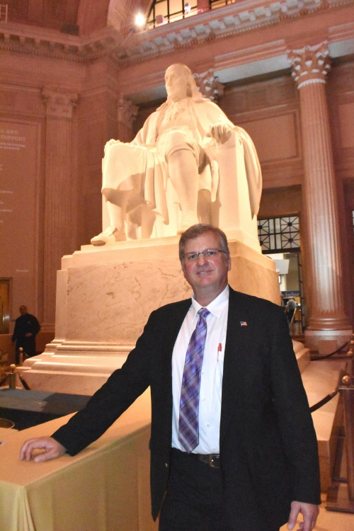 Greg Lynch, Memoirs of our Pioneers reception at the Franklin Institute, Monday evening, May 13, 2019. (VFS photo by Kenneth I. Swartz. CC-BY-SA 4.0)