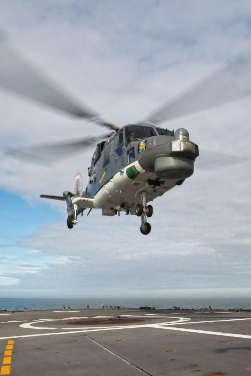 Lynx-landing-on-deck.jpg