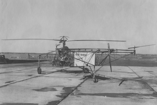 Sikorsky VS-300 main rotor - 3 control rotors (single blade).  From Vertiflite (AHS Newsletter) Dec 1961.