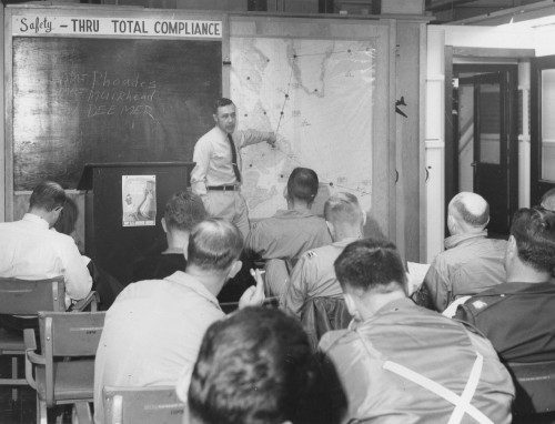 Sikorsky CH-3B briefing.  Sikorsky Aircraft photo. Figure 4 from Vertiflite (AHS Newsletter) Aug 1963.